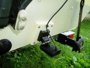transom mount transducer fish finder