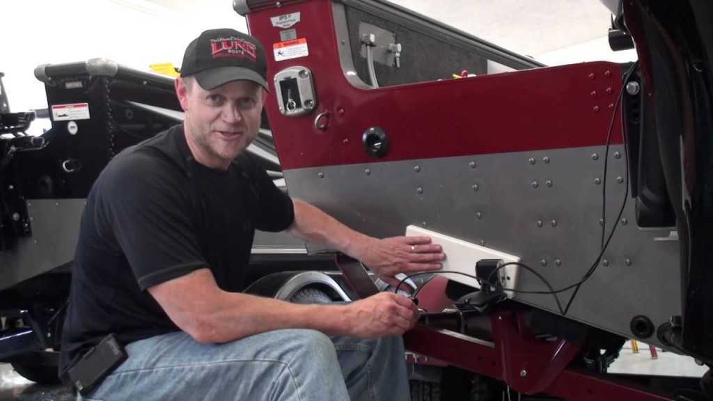 installing-a-fishfinder